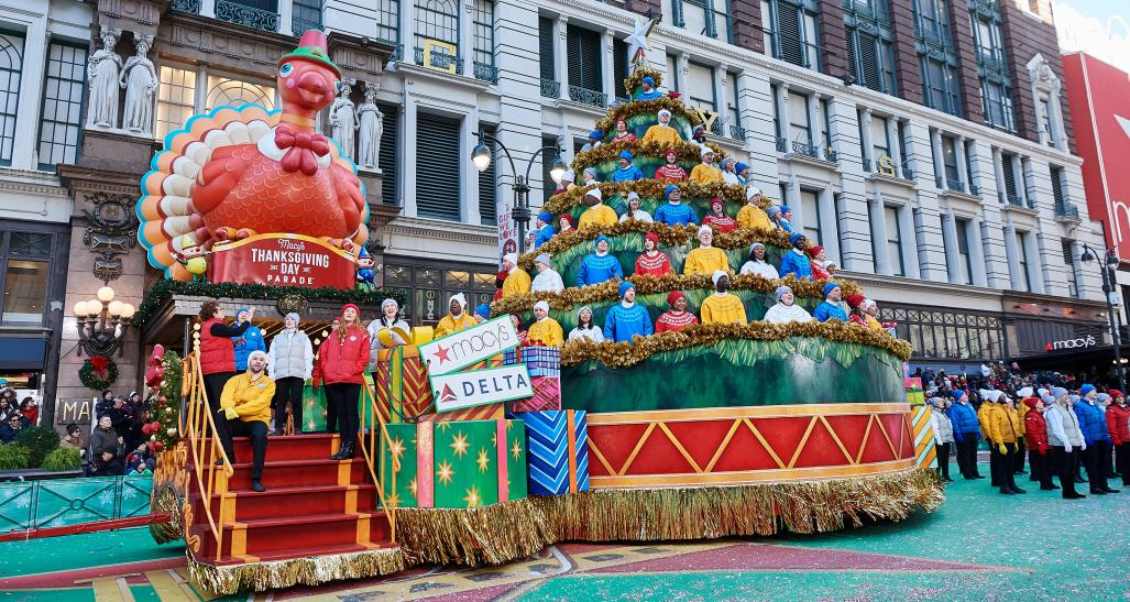 Macy's Thanksgiving Day Parade Singing Christmas Tree float