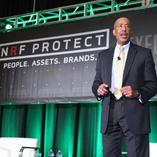 Michael Mason, of Verizon, speaks on stage during Executive Afternoon at NRF protect 2018