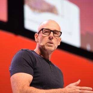 Scott Galloway at shop.org 2017 in Los Angles